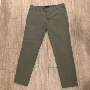 Women's olive cropped pants